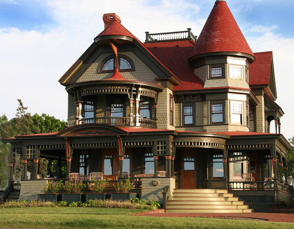 Victorian homes on pinterest victorian victorian style for New victorian style homes